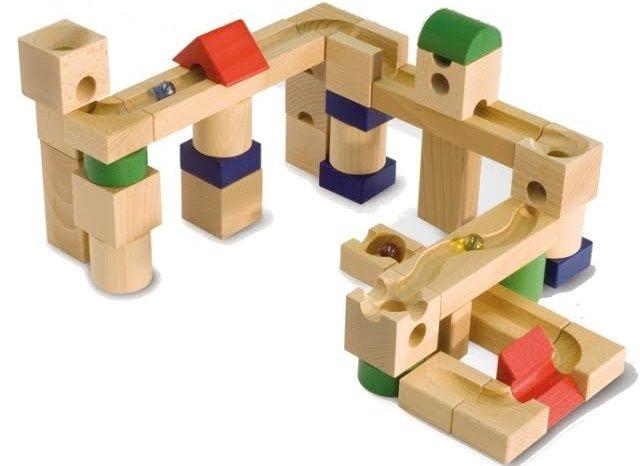 Вибираємо конструктори в магазинах іграшок
