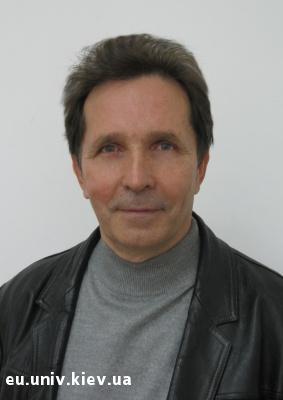 Анатолій Мойсієнко. Біографія