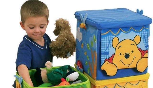 Як навчити дитину прибирати іграшки