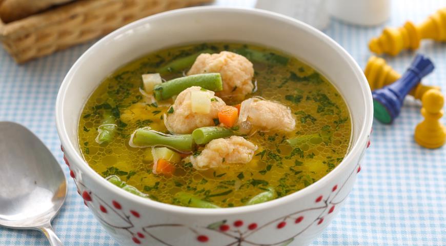 Дитячий суп з рибними фрикадельками
