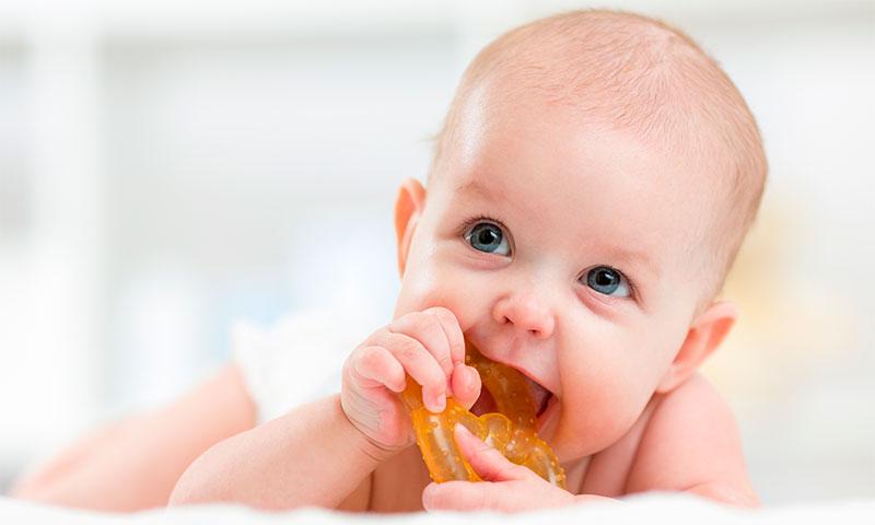 Родителям на заметку: как выбрать полезную игрушку для малыша?