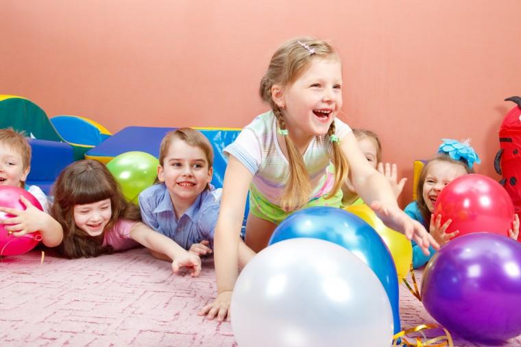 Дитячі ігри для домашнього свята. Частина 2