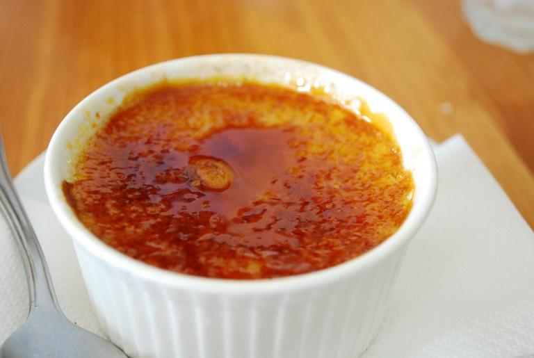 Крем-брюле - смачний десерт для дітей