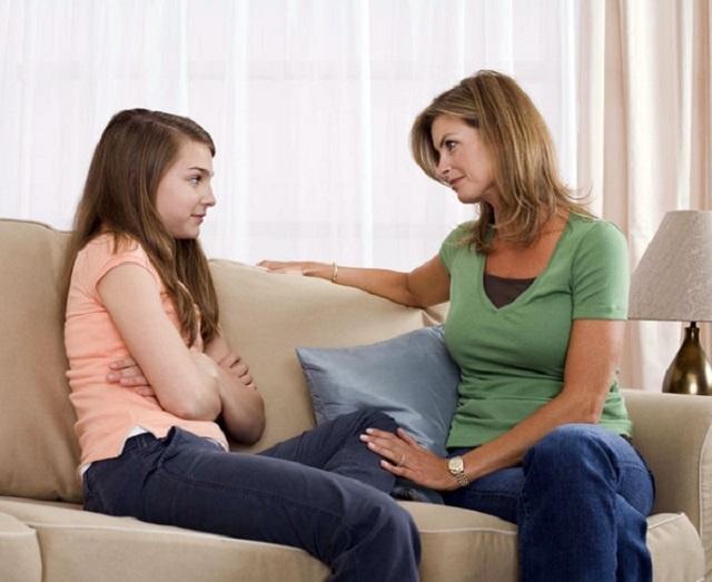 Як говорити з дівчинкою про менструацію?