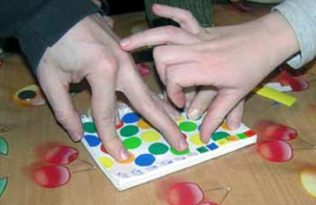 Мінітвістер для пальчиків своїми руками