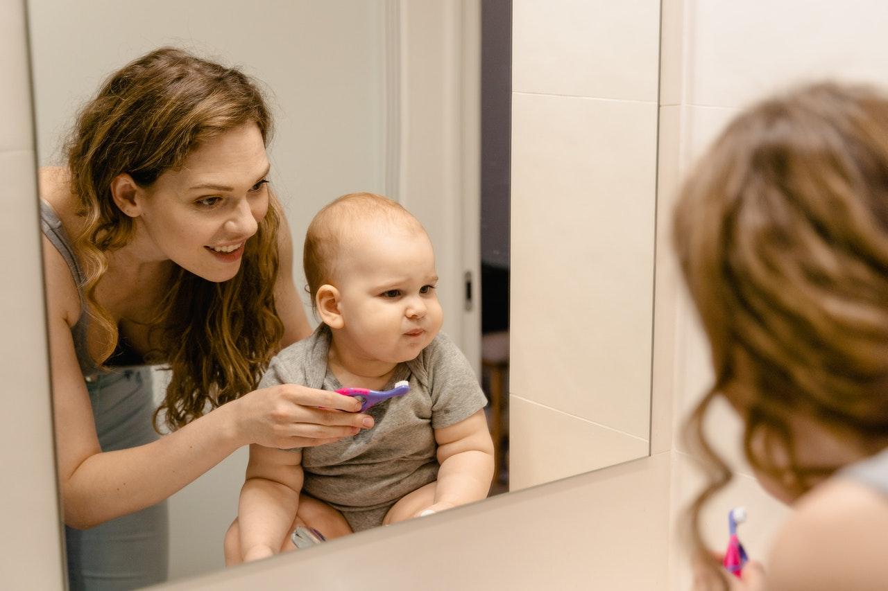 Здорові зуби — здорова дитина. Як правильно доглядати за ротовою порожниною малечі