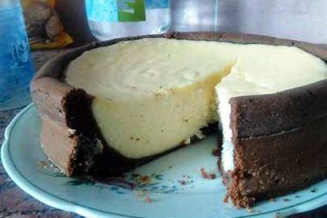 Сирна запіканка в шоколадному тісті