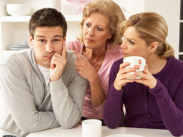 Що не можна говорити свекрусі, яка стала бабусею