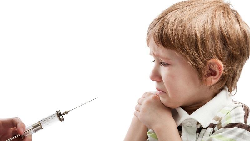 Як побороти дитячий страх перед голкою