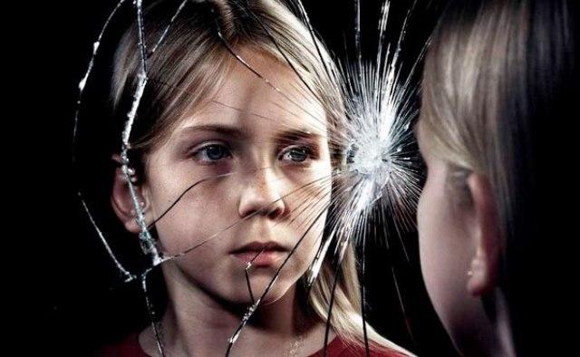 Підліткові комплекси: як допомогти дитині полюбити свою зовнішність