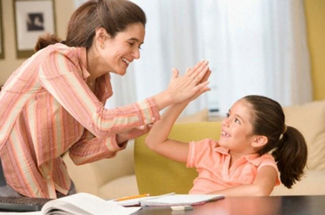 Як правильно хвалити дитину