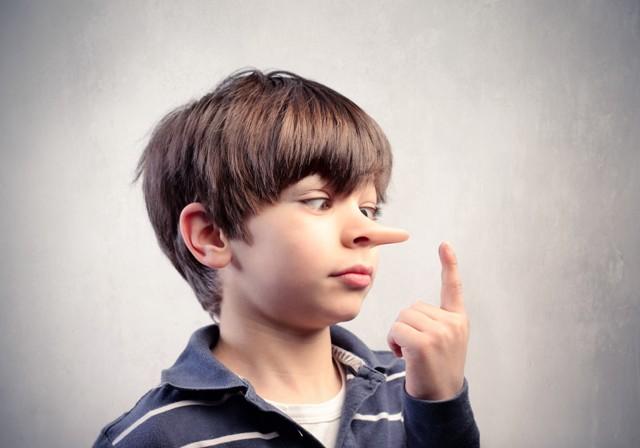 Шкідливі поради для батьків: як виховати брехуна